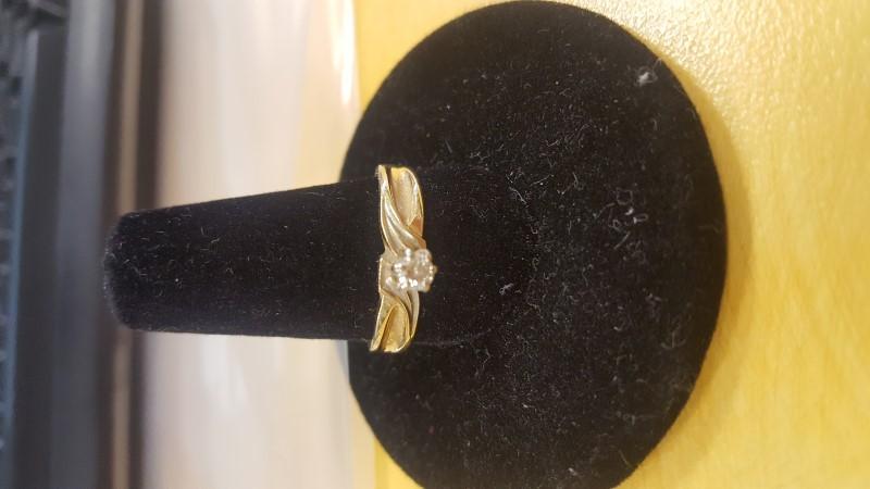 Lady's Diamond Ring .20 CT. 14K Yellow Gold 2.6g
