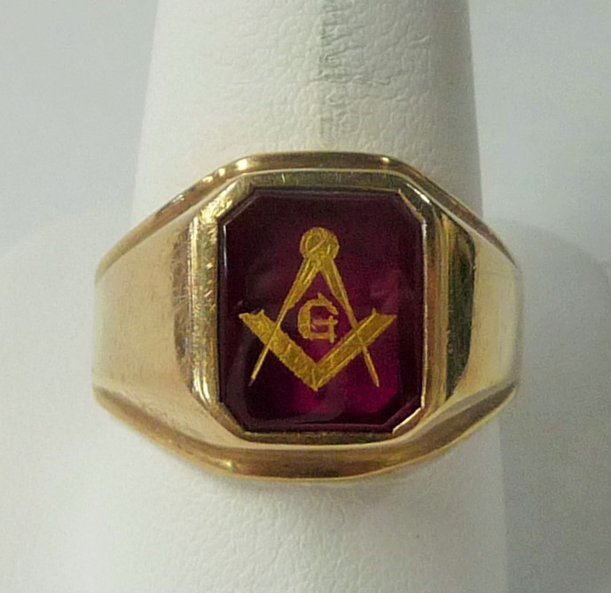 Gent's Masonic Gold Ring 10K Yellow Gold 3.69dwt