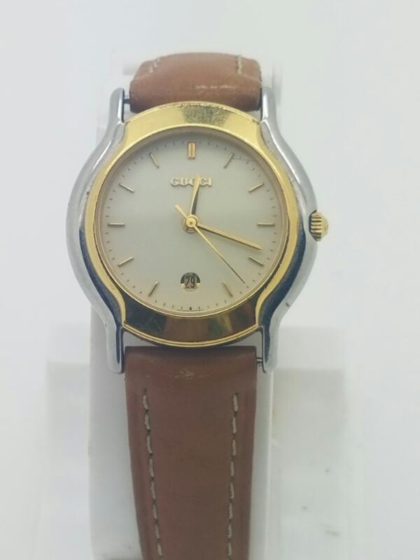 GUCCI Lady's Wristwatch 8000L