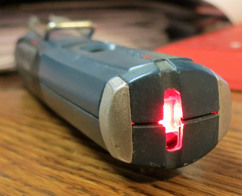 "BOSCH PLL5 Laser Spirit Level - Clip & Magnetic Mount - 5-1/2"" Long"