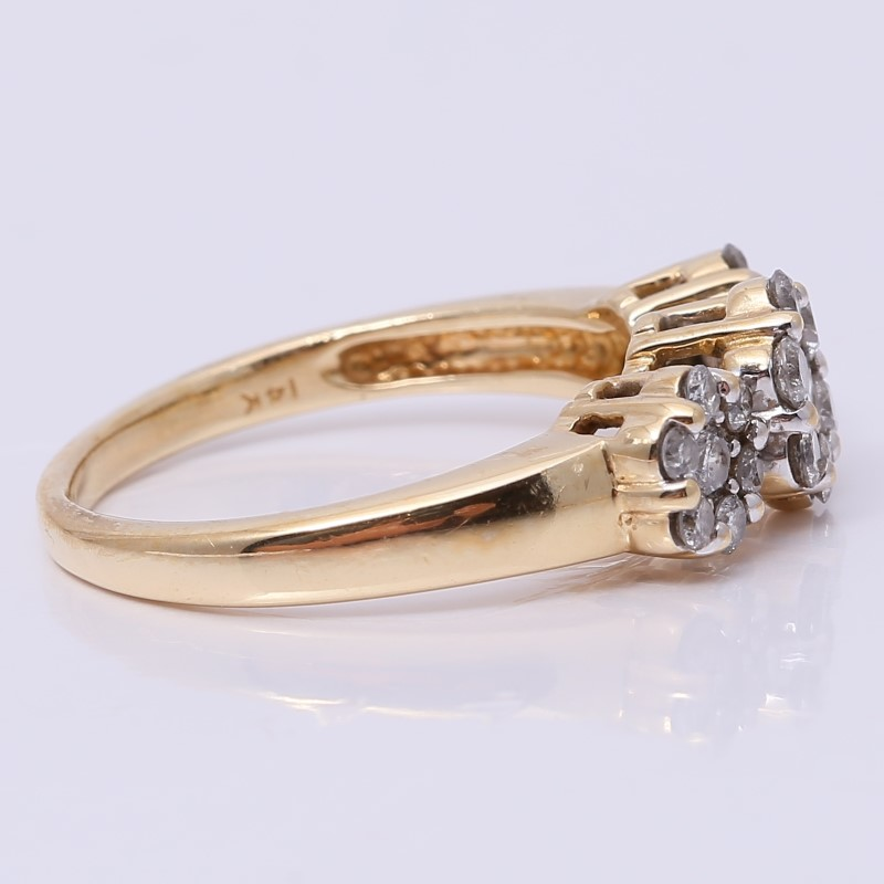 14K Yellow Gold Round Brilliant Diamond Triple Cluster Ring Size 9