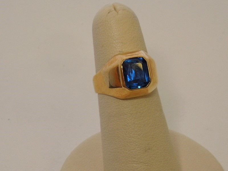 Blue Stone Gent's Stone Ring 14K Yellow Gold 9.3g