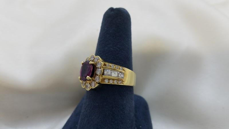 Rubelite Tourmaline Lady's Stone & Diamond Ring 34 Diamonds .82 Carat T.W.