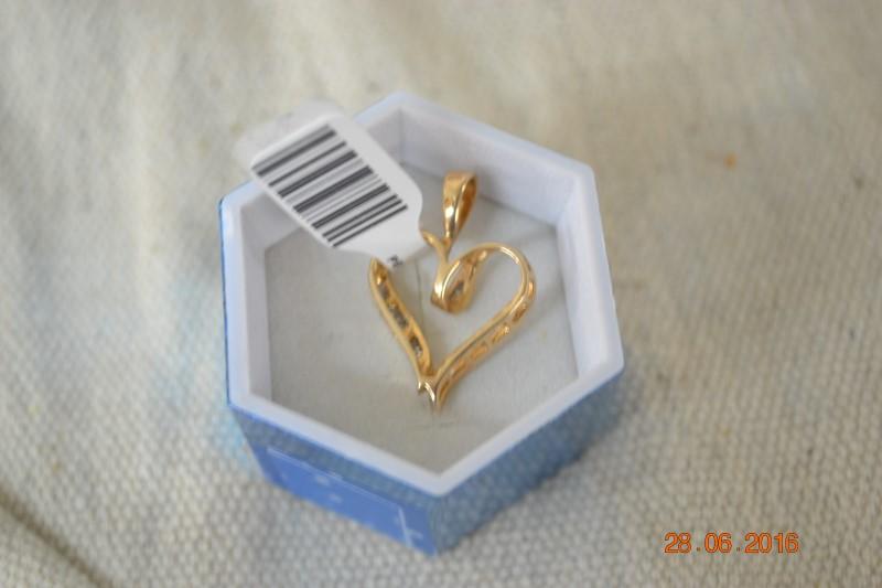 Gold-Multi-Diamond Pendant 33 Diamonds .33 Carat T.W. 10K Yellow Gold 2.8g
