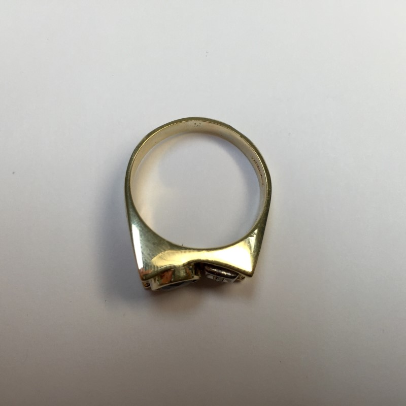 Almandite Garnet Gent's Stone & Diamond Ring .01 CT. 14K Yellow Gold 4.8dwt