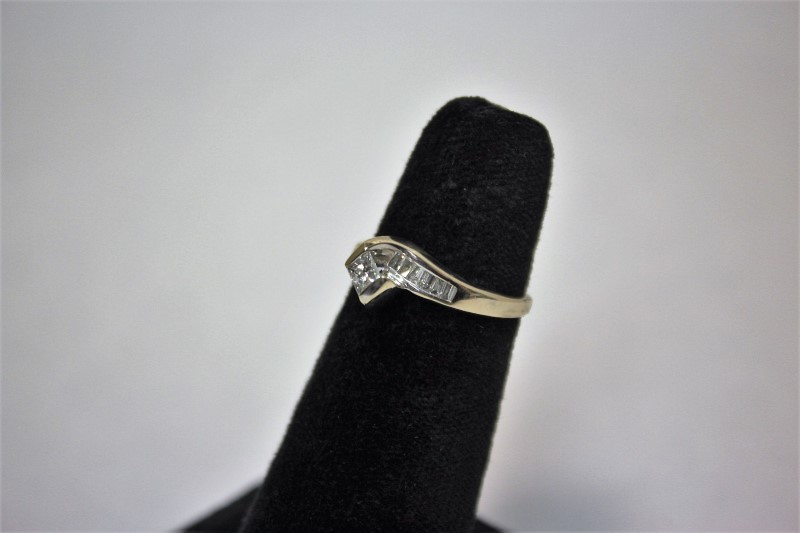 Lady's Diamond Engagement Ring 13 Diamonds .87 Carat T.W. 14K White Gold 4g