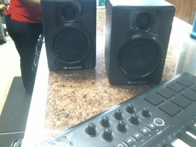 M AUDIO Monitor/Speakers AV 40