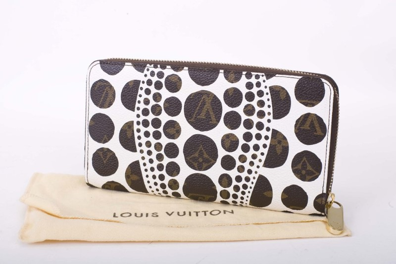 LOUIS VUITTON Fashion Accessory KUSAMA ZIPPY CLUTCH PUMPKIN WHITE