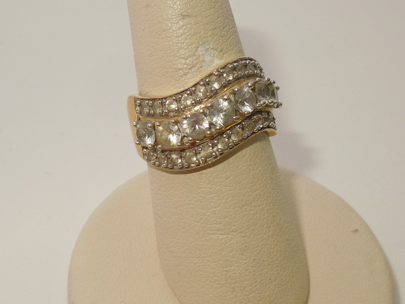 Synthetic Cubic Zirconia Lady's Stone Ring 10K Yellow Gold 4.5g