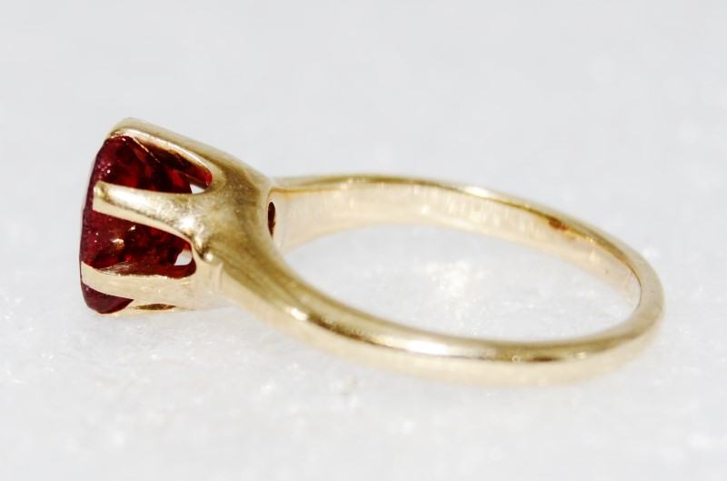 14K Yellow Gold Vintage Inspired Heart Shaped Ruby Solitaire Ring sz 4.25