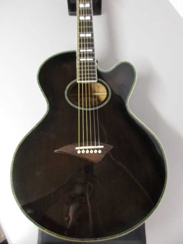 KONA GUITARS SIGNATURE JUMBO ACOUSTIC/ELECTRIC GUITAR