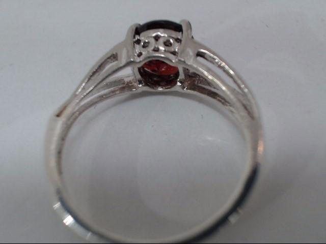Synthetic Almandite Garnet Lady's Silver & Stone Ring 925 Silver 2.7g
