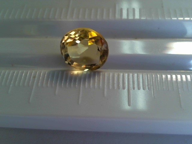 Citrine Nat. 3.8ct lite yellow