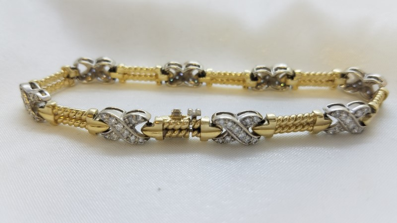 Gold-Diamond Bracelet 80 Diamonds 2.40 Carat T.W. 14K Yellow Gold 20g
