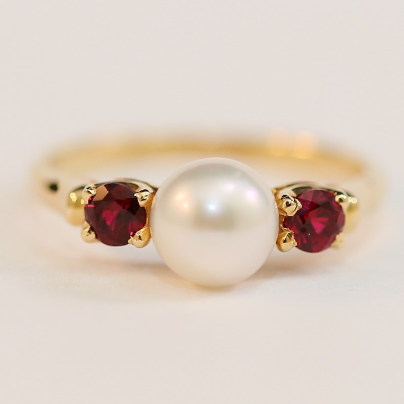 14K Yellow Gold Pearl and Ruby Ring Size 6.75