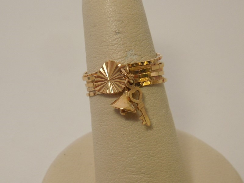 Lady's Gold Ring 14K Yellow Gold 2.3g Size:5