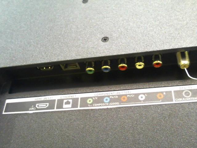 VIZIO Flat Panel Television D32-D1