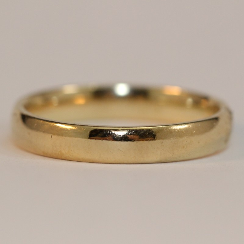 Gent's 10K Yellow Gold Wedding Band Size 11