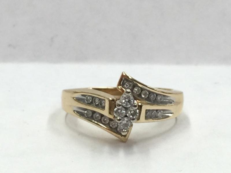 Lady's Diamond Cluster Ring 20 Diamonds .24 Carat T.W. 14K Yellow Gold 3.4dwt