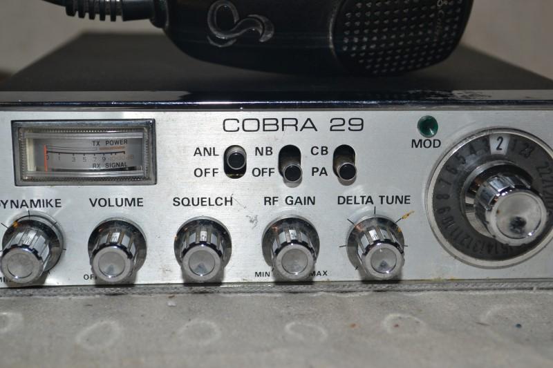 COBRA 2 Way Radio/Walkie Talkie 29LTD