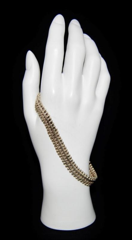 """9"""" Sterling Silver V Link Unique Bracelet"""