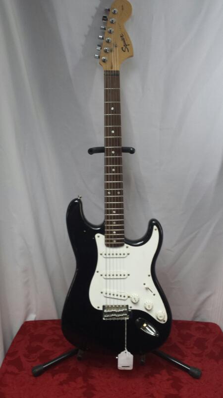 SQUIER Electric Guitar STRAT