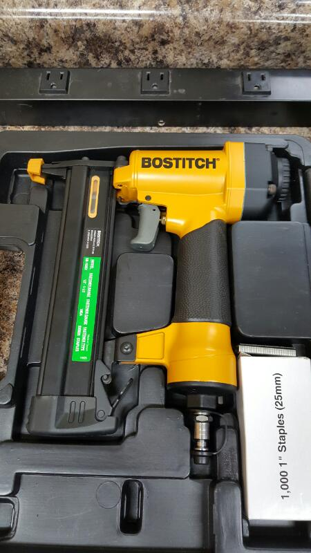 Bostitch SB-150SX, 18 Gauge Pneumatic Staple Gun