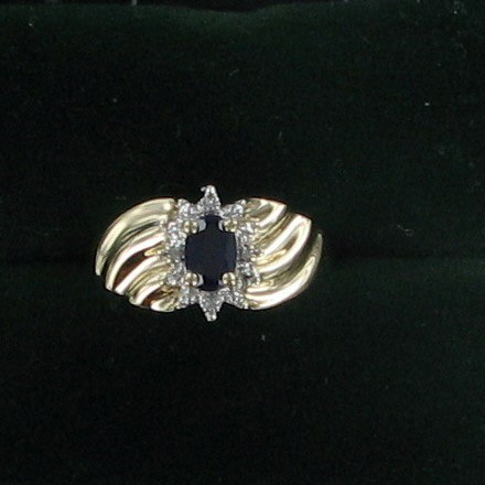Blue Stone Lady's Stone Ring 10K Yellow Gold 1.8dwt