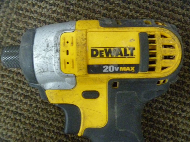 "DEWALT DCF885 20-VOLT MAX LITHIUM-ION 1/4"" CORDLESS IMPACT DRIVER **TOOL ONLY**"