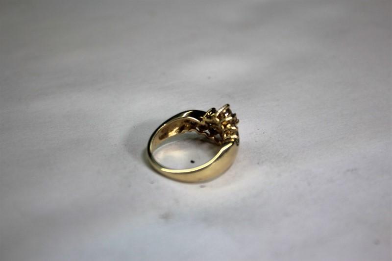 Lady's Diamond Cluster Ring 11 Diamonds .99 CTW 14K Yellow Gold 5.4g Size: 7