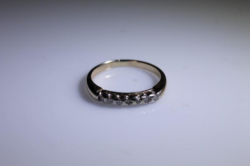 Lady's Diamond Engagement Ring 7 Diamonds .07 Carat T.W. 14K White Gold 2.3g