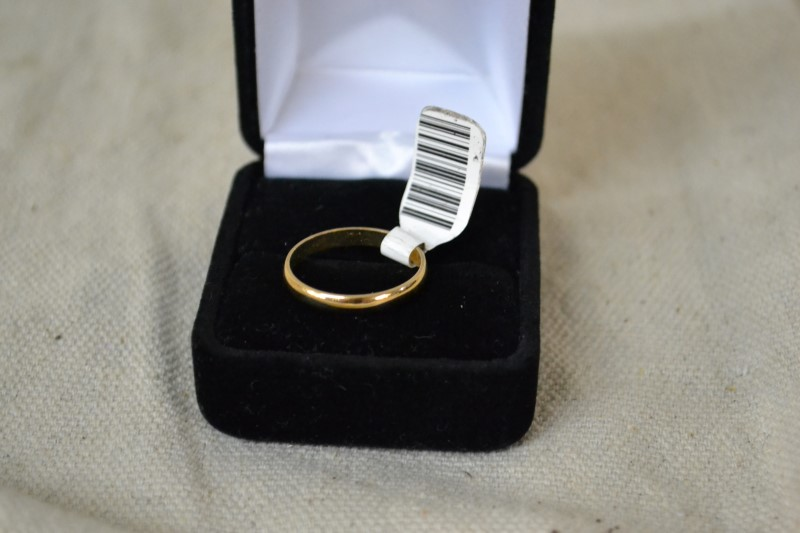 Lady's Gold Ring 10K Yellow Gold 1.8g