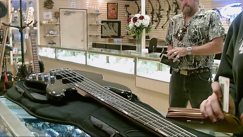 FENDER/SQUIER JAZZ BASS GUITAR 5-STRING BLK.