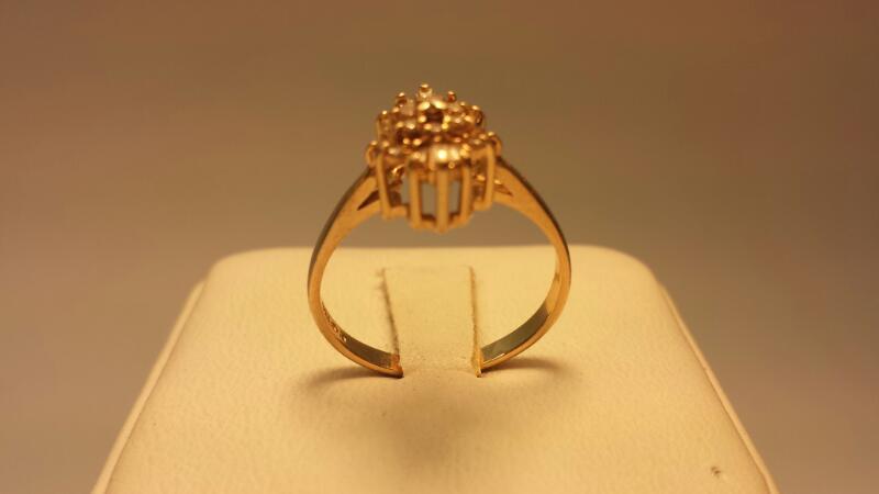 14k Diamond Cluster Ring 17 Diamonds .35ctw - 1.6dwt - Size 7