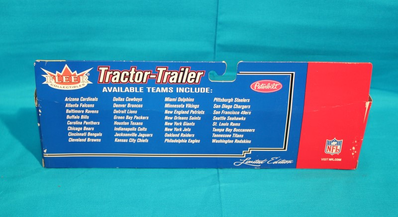 FLEER COLLECTIBLES Toy Vehicle GREEN BAY PACKERS TRACTOR TRAILER