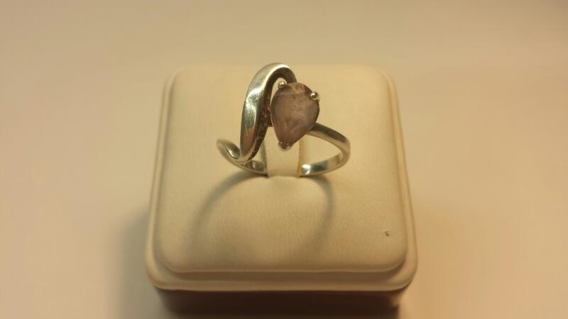 Silver (925) Ring with 1 Purple Pear Stone - 2.4dwt - Size 9
