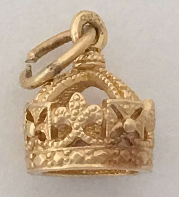 KING'S CROWN 14K CHARM, 1.3 GRAMS, VERY GOOD CONDITION.