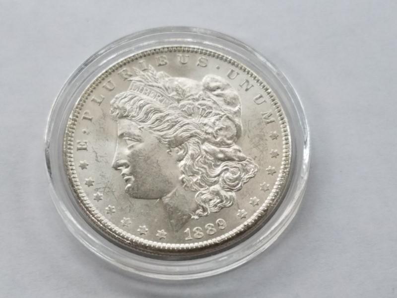 1989 MORGAN SILVER $1 (UNC)