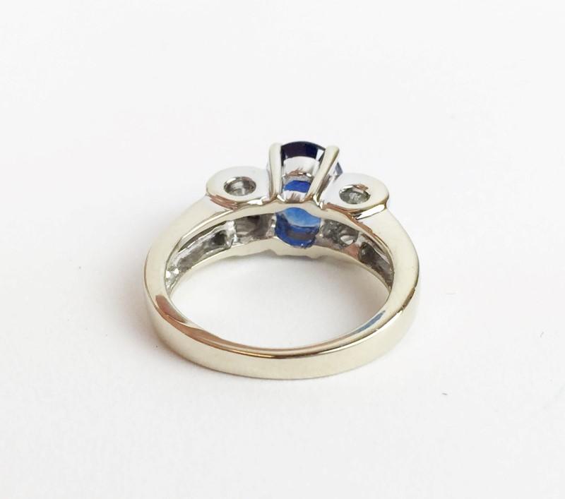 LADIES 18K WG SAPPHIRE & DIAMOND RING APX .84CTW