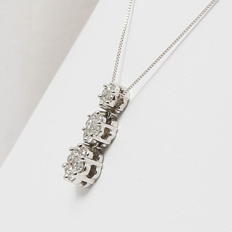 "18"" 14K White Gold 3 Stone Round Brilliant Diamond Necklace & Chain"