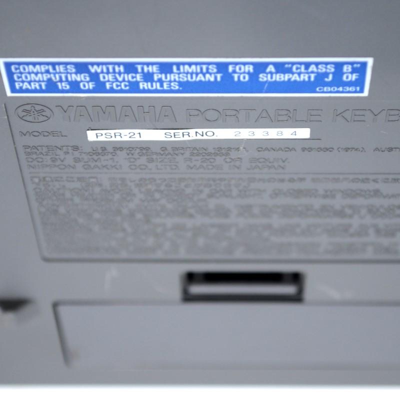 YAMAHA PSR-21 ELECTRONIC KEYBOARD 49 KEYS WITH POWER ADAPTER>