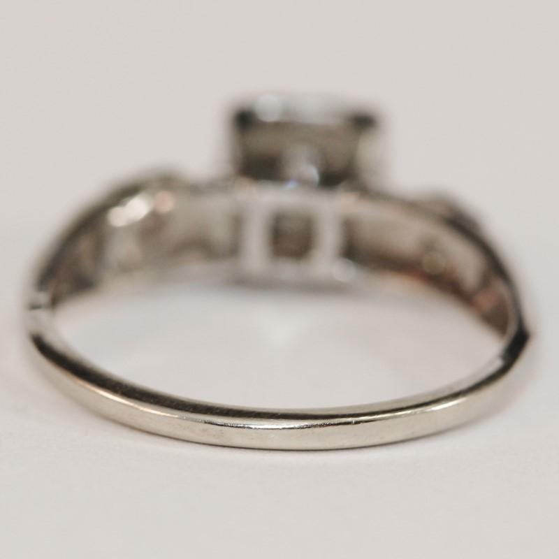 14K W/G 3 Stone Round Brilliant Diamond Engagement Ring Size 6