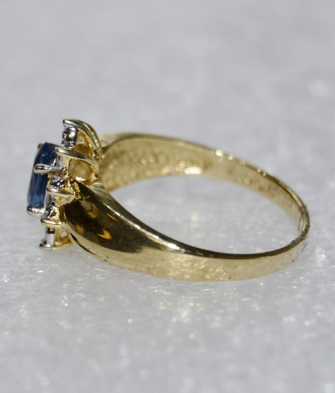 10K Yellow Gold Bypass Ridge Shank Tanzanite & Diamond Halo Sunburst Ring 5.75