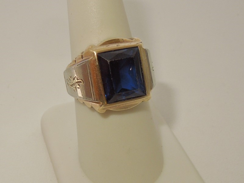 Synthetic Sapphire Lady's Stone Ring 10K Yellow Gold 8g