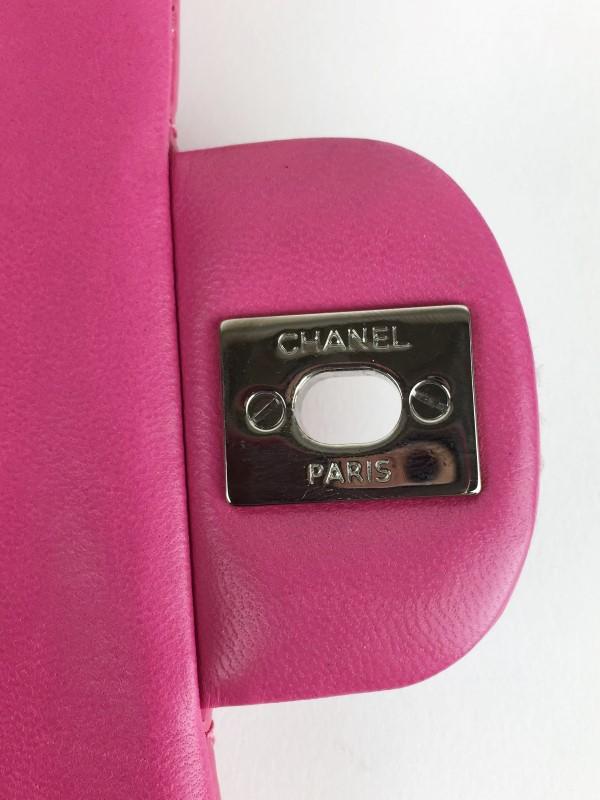CHANEL Handbag PATENT LEATHER FUCHSIA HANDBAG
