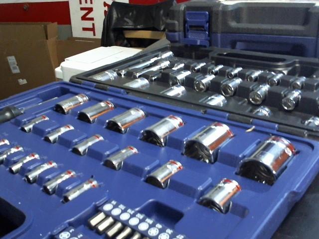 KOBALT TOOLS Sockets/Ratchet 0573359 64PC