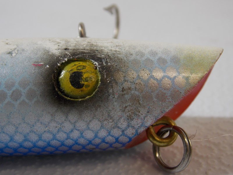 """VINTAGE BLUE SCALE WOOD FISHING LURE, 5"""""""