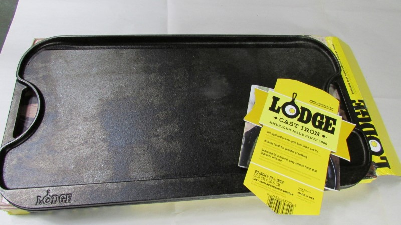 Lodge Cast-Iron Reversible Grill/Griddle, 20-Inch x 10.44-Inch, Black