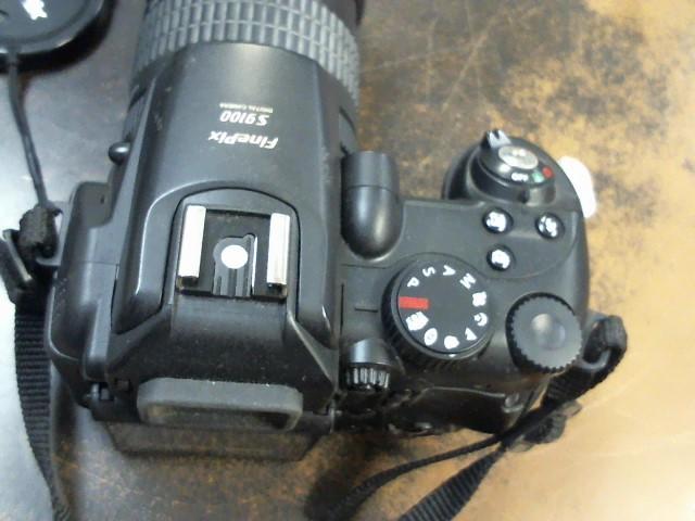 FUJIFILM Digital Camera FINEPIX S9100