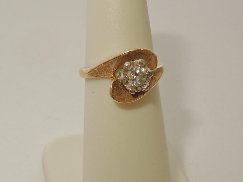 Lady's Diamond Fashion Ring .23 CT. 14K Yellow Gold 3g Size:5
